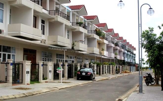 Số nhà ở gắn liền với đất bán ra thị trường mỗi tháng chỉ đếm trên đầu ngón tay
