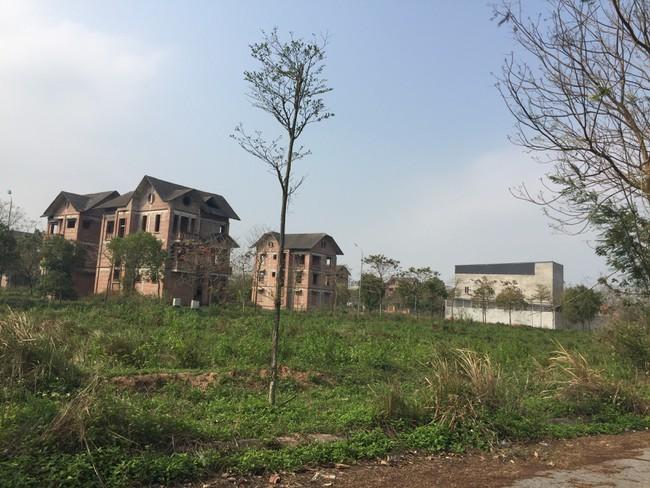 """Sau 3 năm đưa vào diện """"giám sát"""", Hà Nội vẫn còn hàng trăm dự án bỏ hoang"""