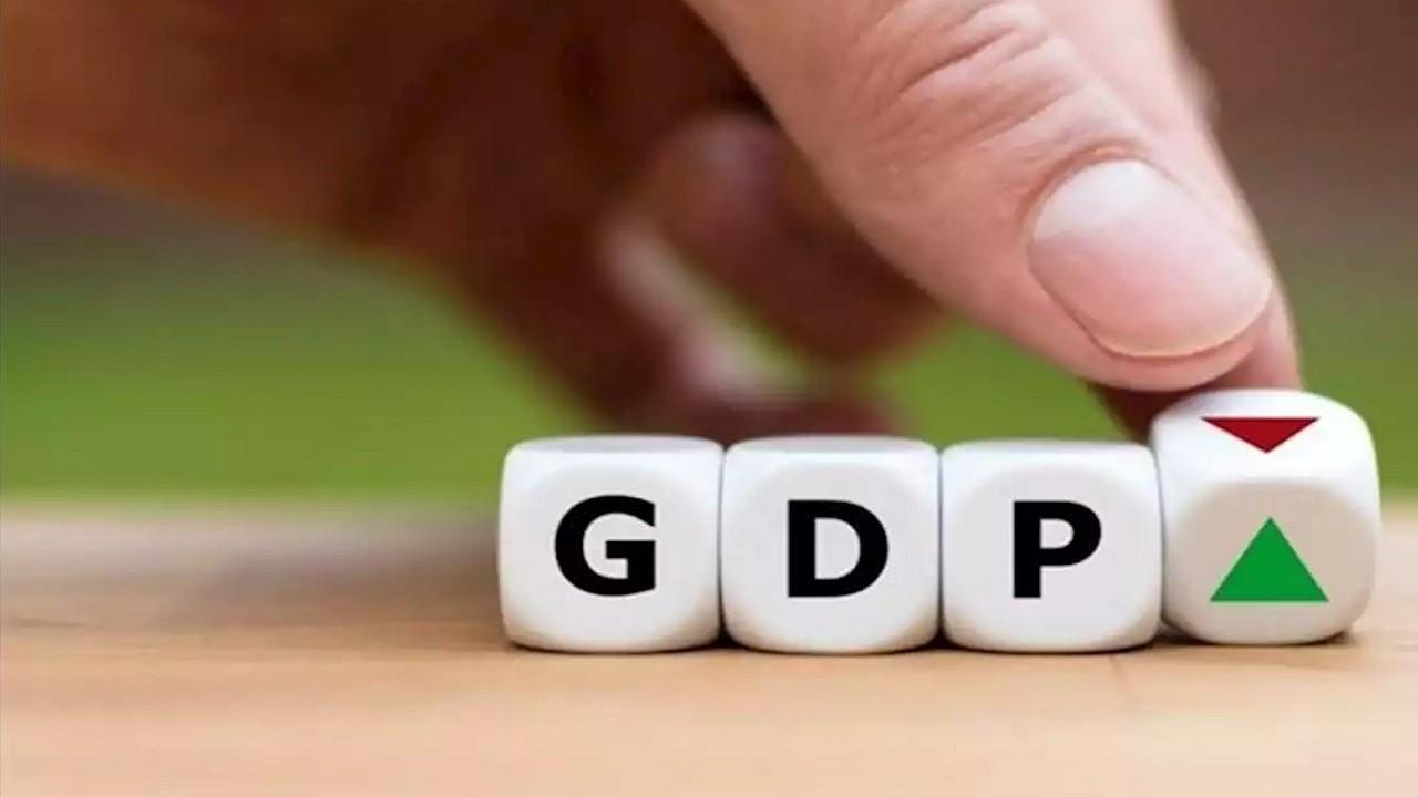 """""""Chắc chắn phải hạ dự báo tăng trưởng GDP"""""""