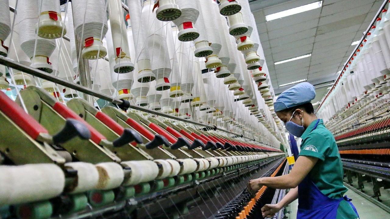 """Lợi nhuận chia rẽ hậu Covid-19, ngành dệt may chờ """"cú huých"""" từ EVFTA"""