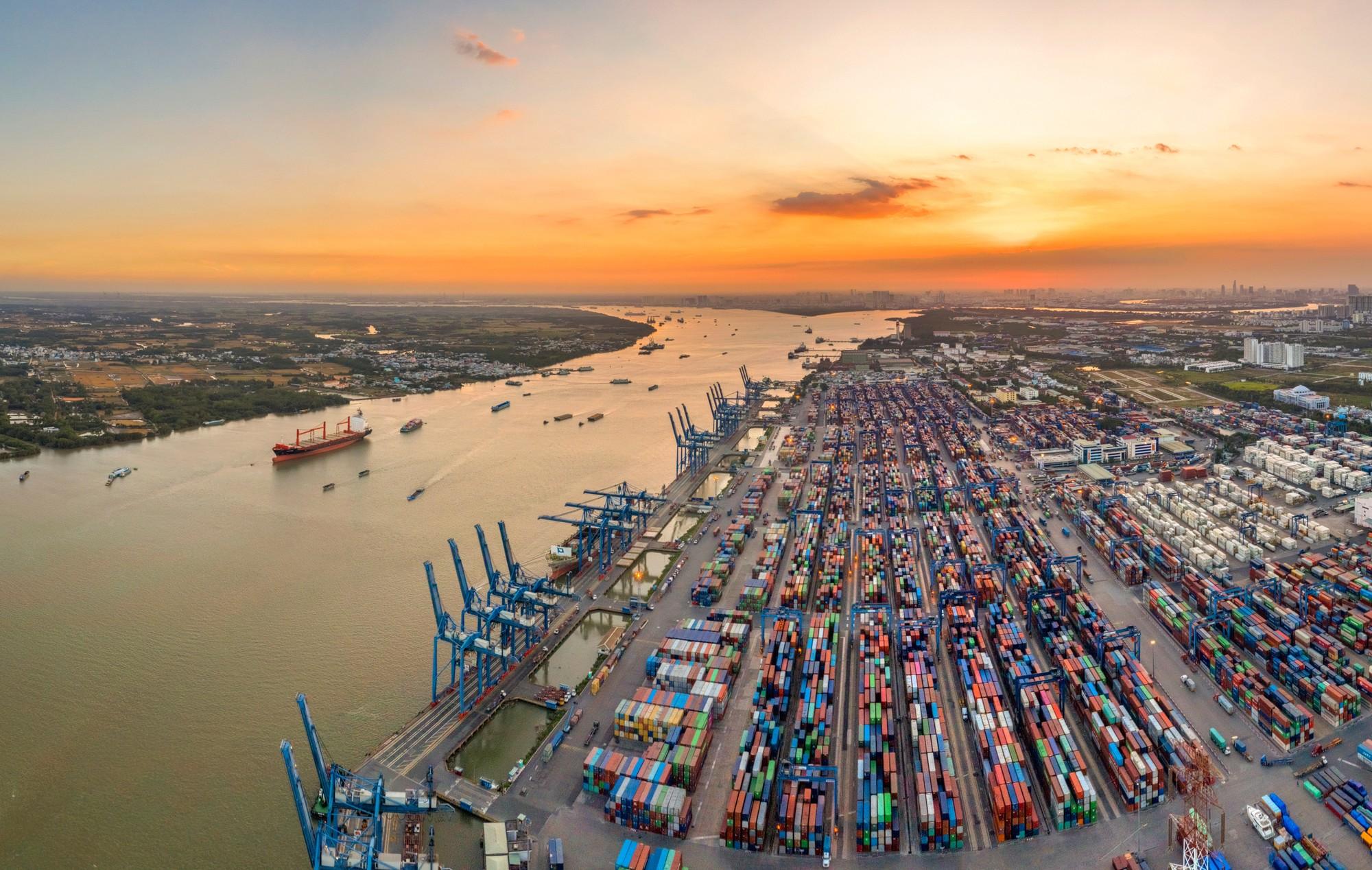 7 tháng đầu năm, Việt Nam nhập siêu kỷ lục trong khi cùng kỳ năm ngoái xuất siêu lớn