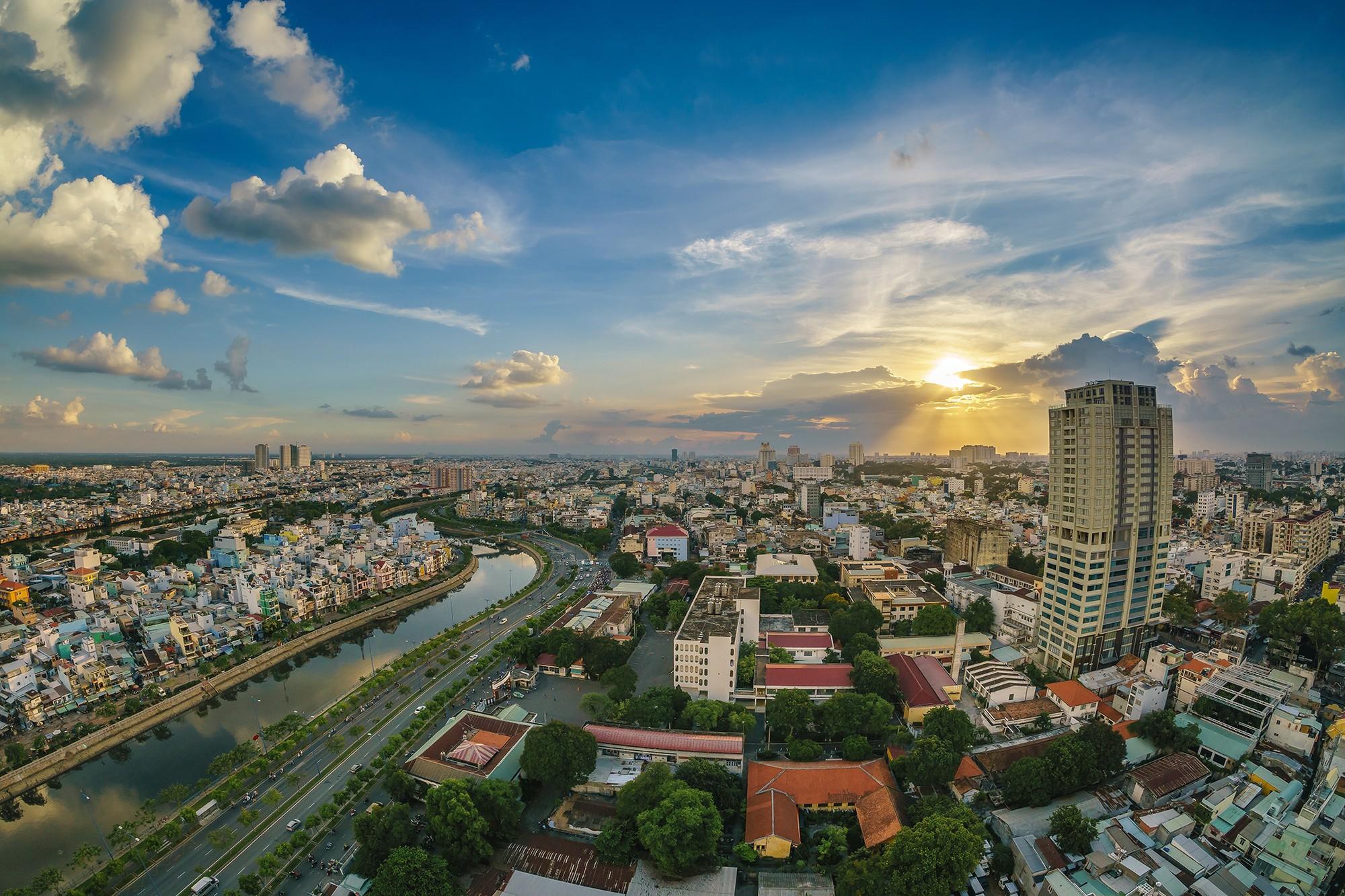Bất động sản Việt Nam nắm cơ hội phục hồi 2021