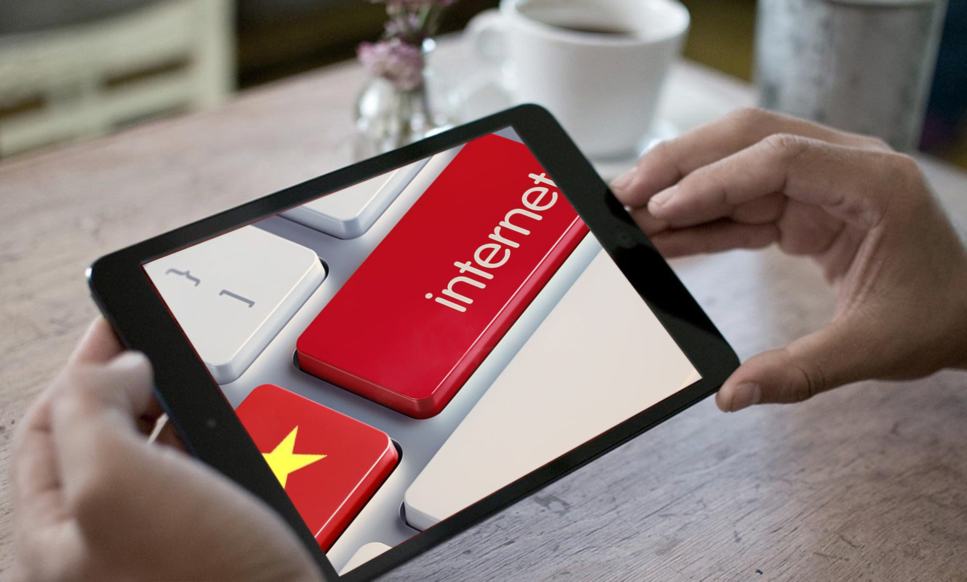 """Trải nghiệm trực tuyến tại Việt Nam: Top 5 về sự cải thiện, song vẫn """"đội sổ"""" ngay trong khu vực"""
