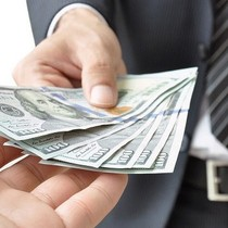 [BizDEAL] Vinpearl chuyển nhượng lô cổ phiếu Vingroup (VIC) có giá trị thị trường gần 7.000 tỷ đồng