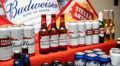 Hãng bia lớn nhất thế giới đã vượt khủng hoảng Covid-19 như thế nào?