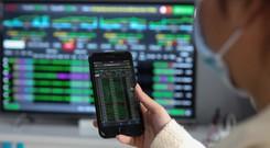 """Kỷ lục mới về số tiền """"nhàn rỗi"""" trong tài khoản chứng khoán, sẵn sàng tham gia thị trường"""