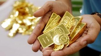 Giá vàng bất ngờ có phiên giảm đầu tiên trong tháng