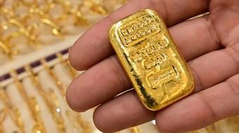 Nhà đầu tư ồ ạt bán ra, giá vàng sụt mạnh