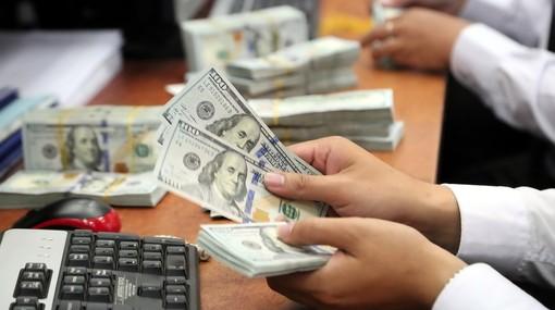Tỷ giá USD tại các ngân hàng thương mại tiếp tục đi ngang