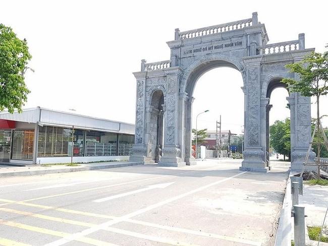 Cận cảnh cổng làng 11 tỷ ở Ninh Bình - ảnh 3