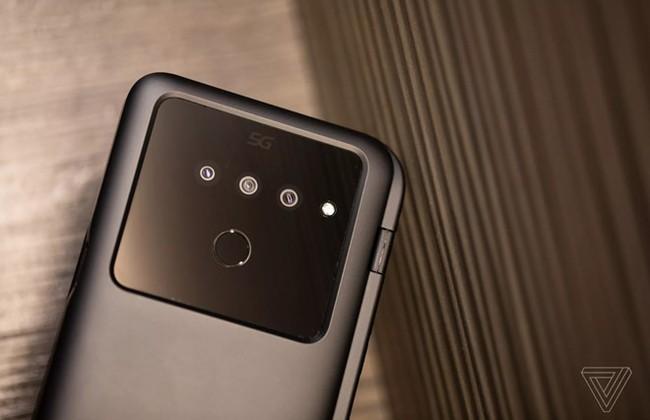 Can canh LG V50 - man hinh kep ban le, co the re hon Galaxy Fold hinh anh 2