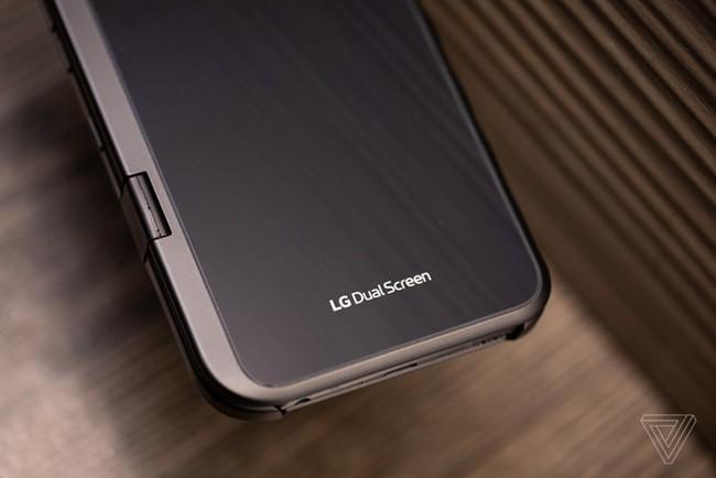 Can canh LG V50 - man hinh kep ban le, co the re hon Galaxy Fold hinh anh 4