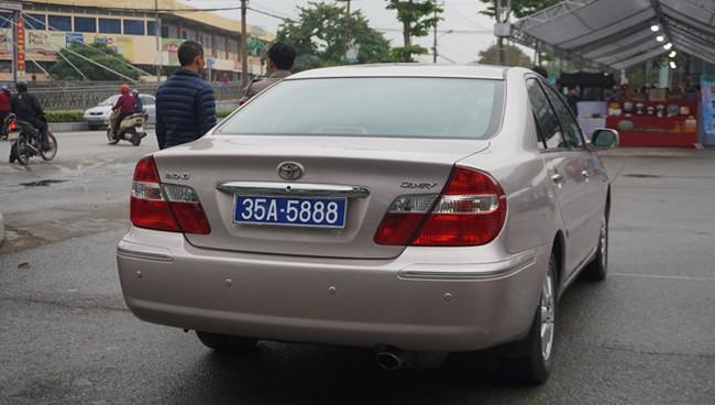 Phó bí thư thường trực tỉnh Ninh Bình sử dụng ô tô biển 80B bất thường - ảnh 1