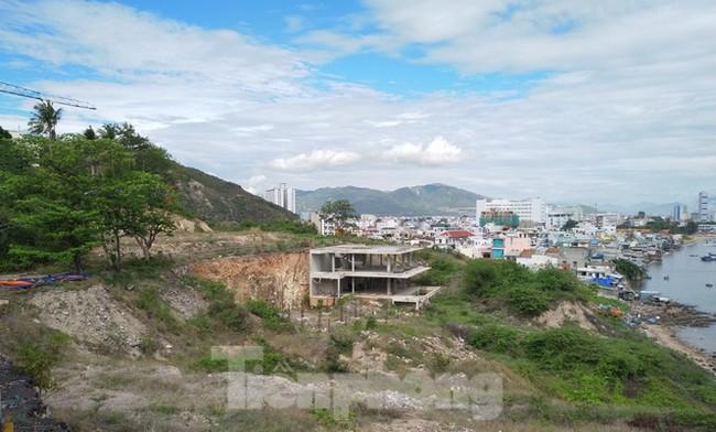 Di tích lầu Bảo Đại bị phá nát để làm biệt thự nghỉ dưỡng - ảnh 8