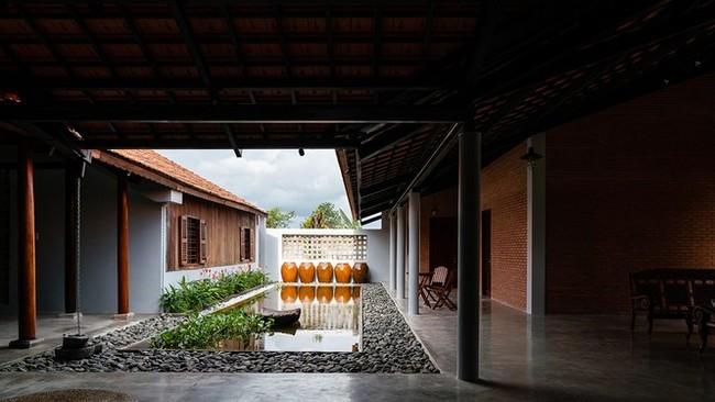 Ngôi nhà truyền thống Nam Bộ đẹp mê mẩn trên báo Tây - ảnh 4