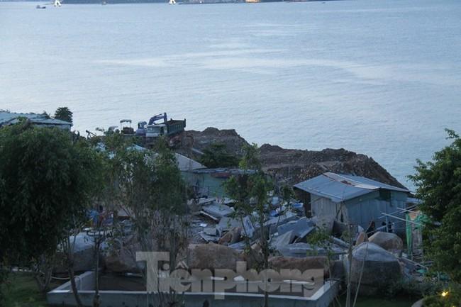 """Cận cảnh những công trình xây """"chui"""" trên đảo Hòn Tằm - Nha Trang - ảnh 9"""