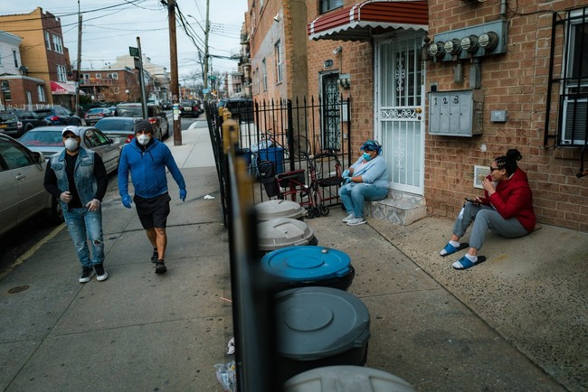 Trong long tam dich New York van con mot tam dich khac hinh anh 6 07nyvirus_queens9_jumbo_NYT.jpg