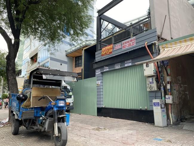 Nhà phố tiền tỷ 'thi nhau' đóng cửa, treo biển cho thuê ở trung tâm Sài Gòn - ảnh 8