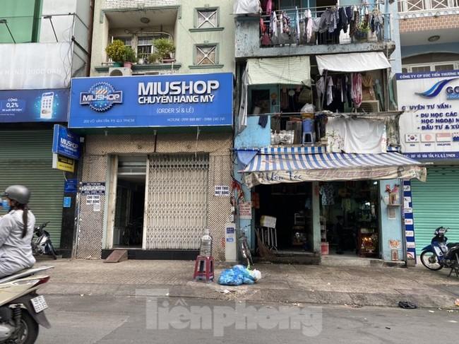 Nhà phố tiền tỷ 'thi nhau' đóng cửa, treo biển cho thuê ở trung tâm Sài Gòn - ảnh 9