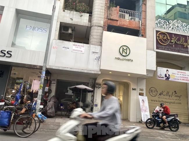 Nhà phố tiền tỷ 'thi nhau' đóng cửa, treo biển cho thuê ở trung tâm Sài Gòn - ảnh 11