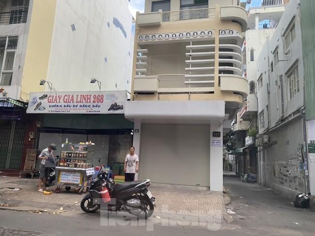 Nhà phố tiền tỷ 'thi nhau' đóng cửa, treo biển cho thuê ở trung tâm Sài Gòn - ảnh 6