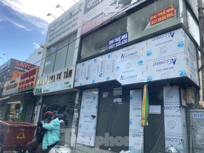 Nhà phố tiền tỷ 'thi nhau' đóng cửa, treo biển cho thuê ở trung tâm Sài Gòn - ảnh 18