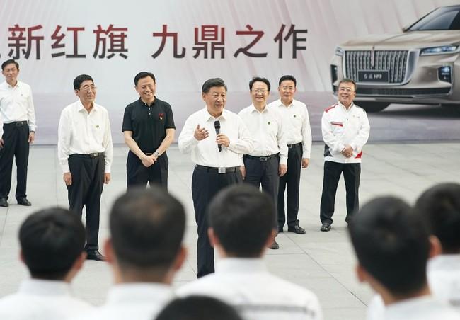 Oto Trung Quoc that the trong cuoc dua voi doi thu ngoai anh 2
