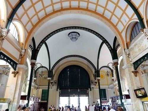 Hàng tỉ đồng thay 'áo mới' tòa nhà bưu điện trung tâm Sài Gòn - ảnh 14