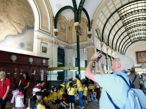 Hàng tỉ đồng thay 'áo mới' tòa nhà bưu điện trung tâm Sài Gòn - ảnh 18