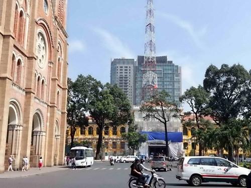 Hàng tỉ đồng thay 'áo mới' tòa nhà bưu điện trung tâm Sài Gòn - ảnh 21