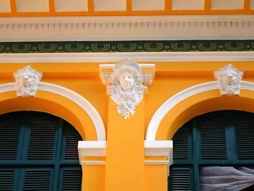 Hàng tỉ đồng thay 'áo mới' tòa nhà bưu điện trung tâm Sài Gòn - ảnh 8