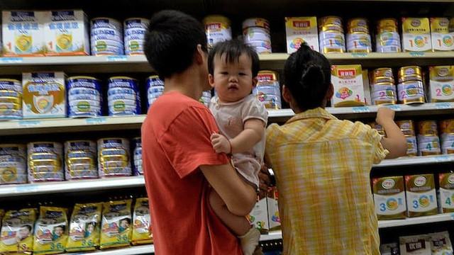 Bùng nổ dân số tại Trung Quốc khiến nhu cầu sữa tăng cao trước đây.