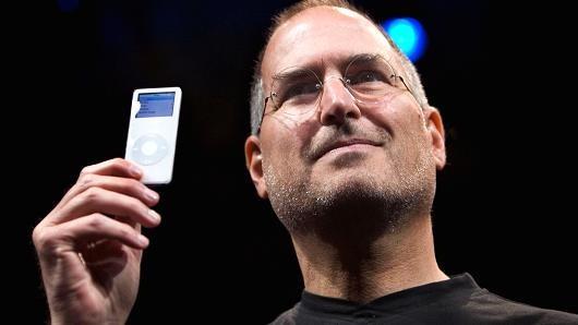 Tim Cook lam CEO Apple tot hon Steve Jobs? hinh anh 8