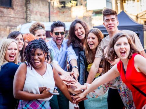 Muốn hạnh phúc thì phải lập kế hoạch dành thời gian cho những việc tạo niềm vui. Ảnh: Tech Hub