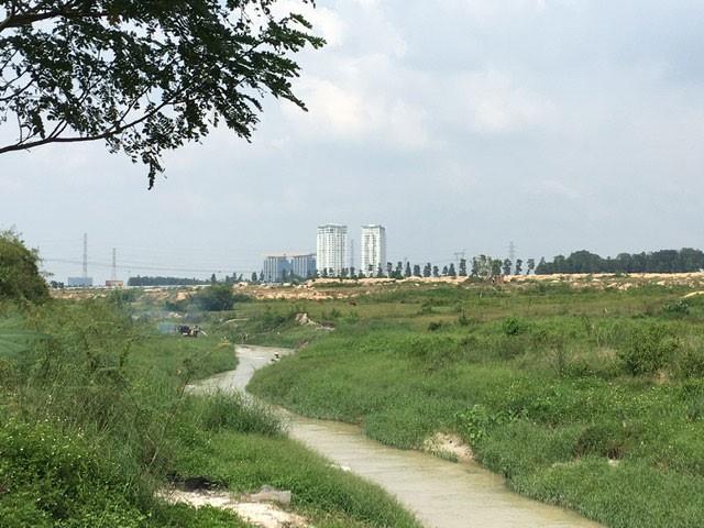Từ sân golf Harmonie có thể nhìn thấy rõ trung tâm hành chính thành phố mới Bình Dương