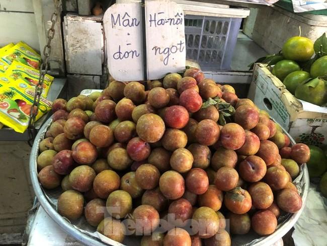 Mận Hà Nội vào Sài Gòn, giá 'loạn cào cào' - ảnh 2