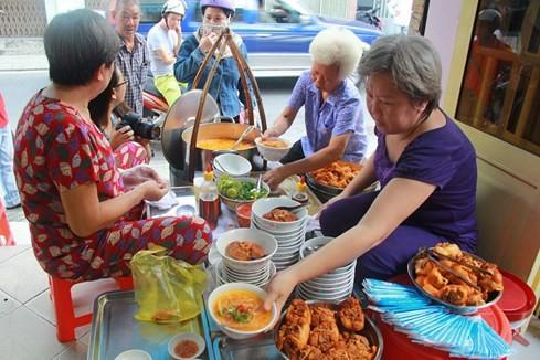 Giải mã những quán ăn Sài Gòn chỉ bán... 1 giờ đồng hồ - ảnh 3