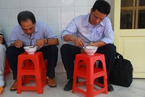 Giải mã những quán ăn Sài Gòn chỉ bán... 1 giờ đồng hồ - ảnh 4