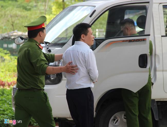 Ong Dinh La Thang de nghi duoc tuyen vo toi hinh anh 2
