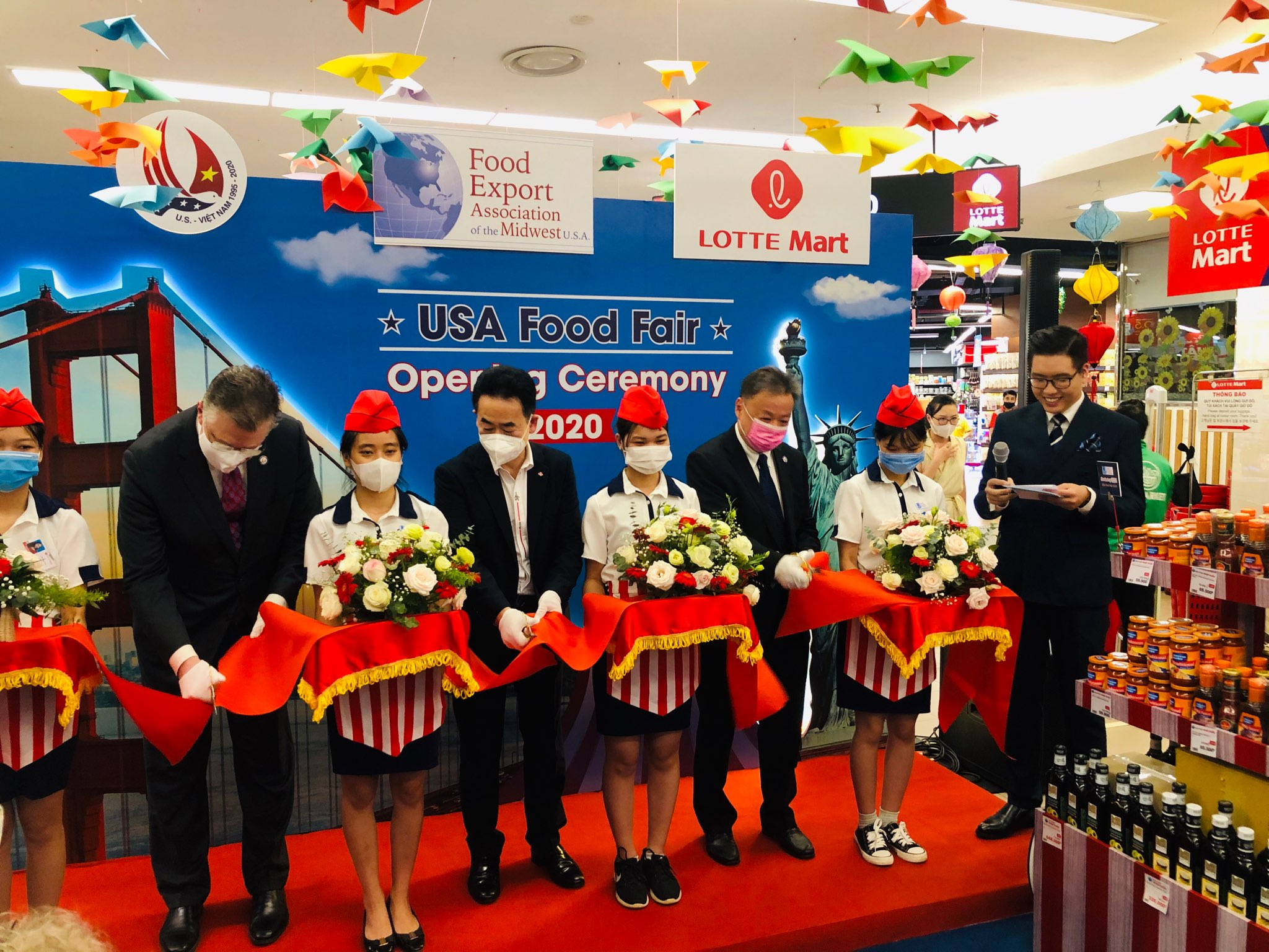 U.S. Food Fair Highlights Variety of U.S. Products Available in Vietnam
