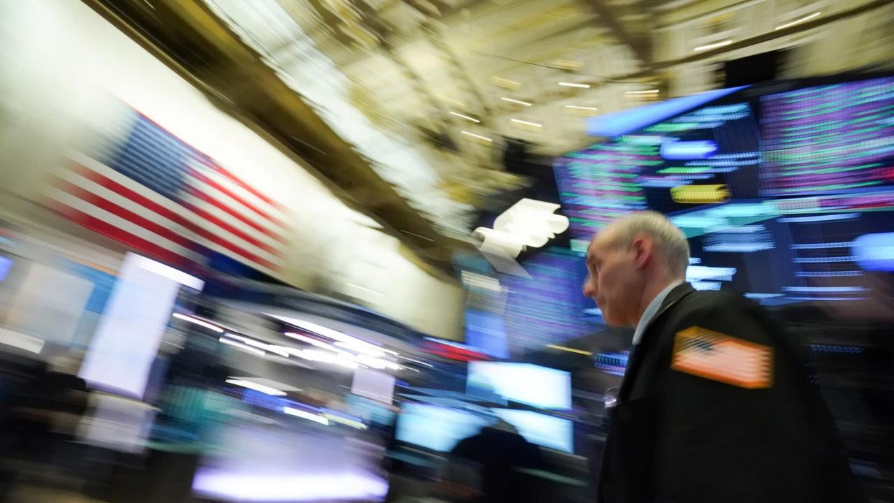 Chứng khoán Mỹ khép lại tháng sụt giảm mạnh nhất tính từ tháng 3/2020