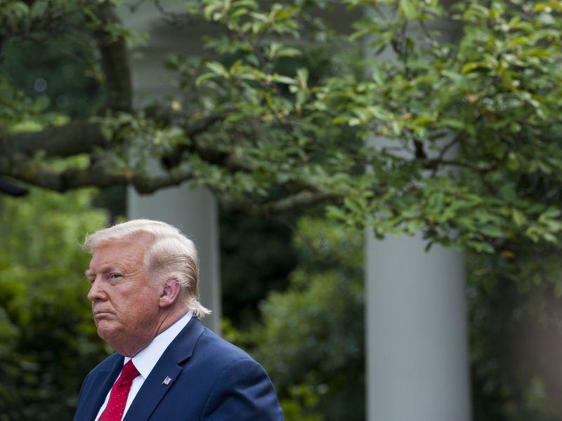 Tòa án Tối cao bác vụ kiện xem xét lại quy trình bầu cử, Tổng thống Trump hết hy vọng