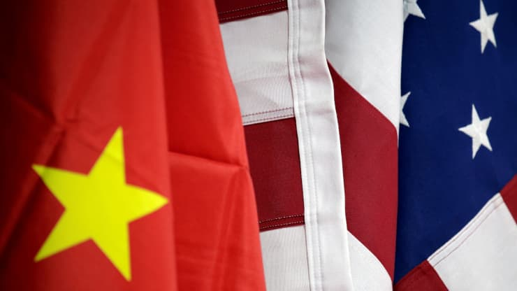 Trung Quốc thề trả đũa sau khi Mỹ hủy niêm yết 3 doanh nghiệp viễn thông lớn