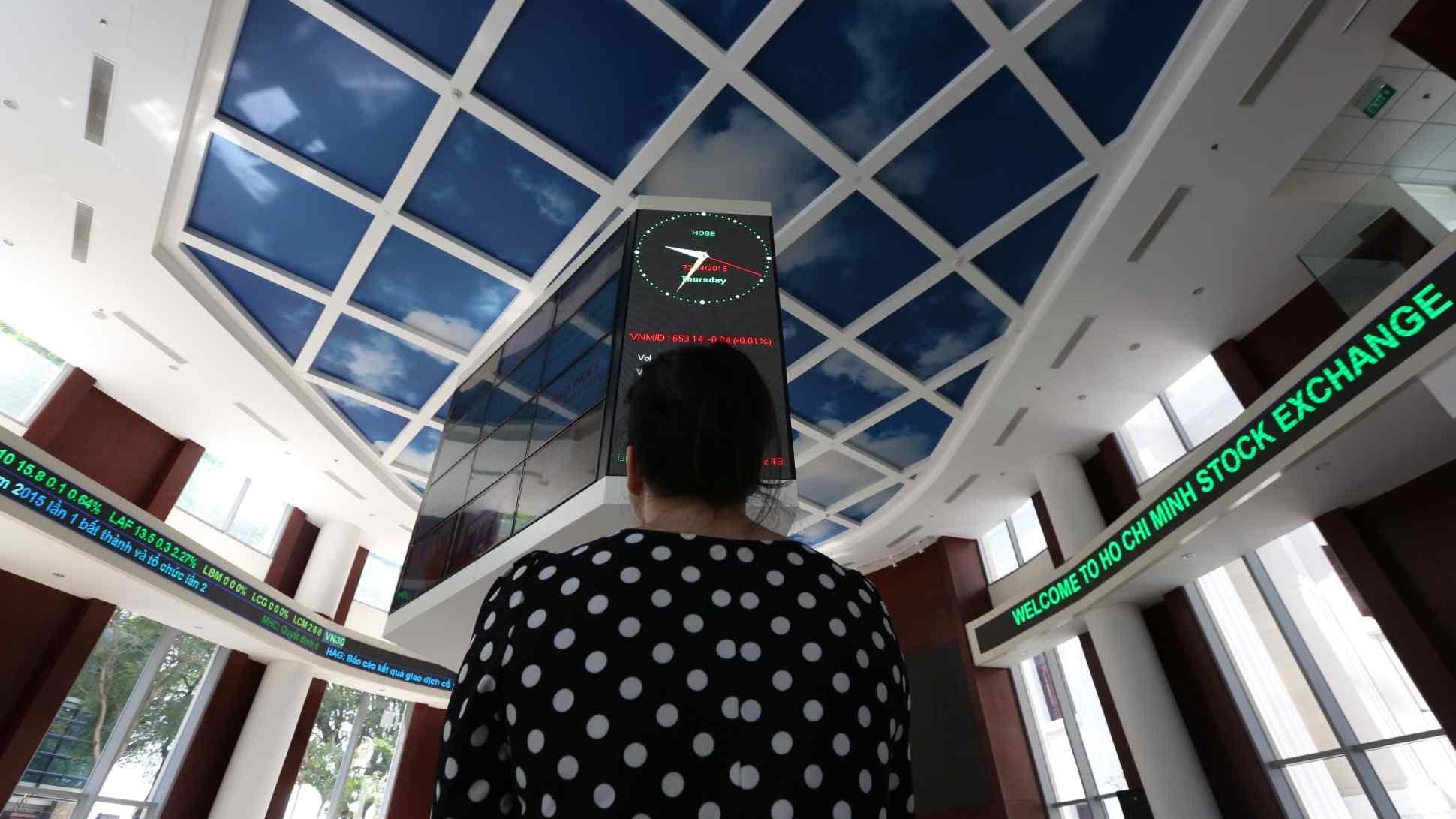 Nikkei: Nhà đầu tư F0 tràn ngập thị trường và quan niệm về tài sản của người Việt thay đổi