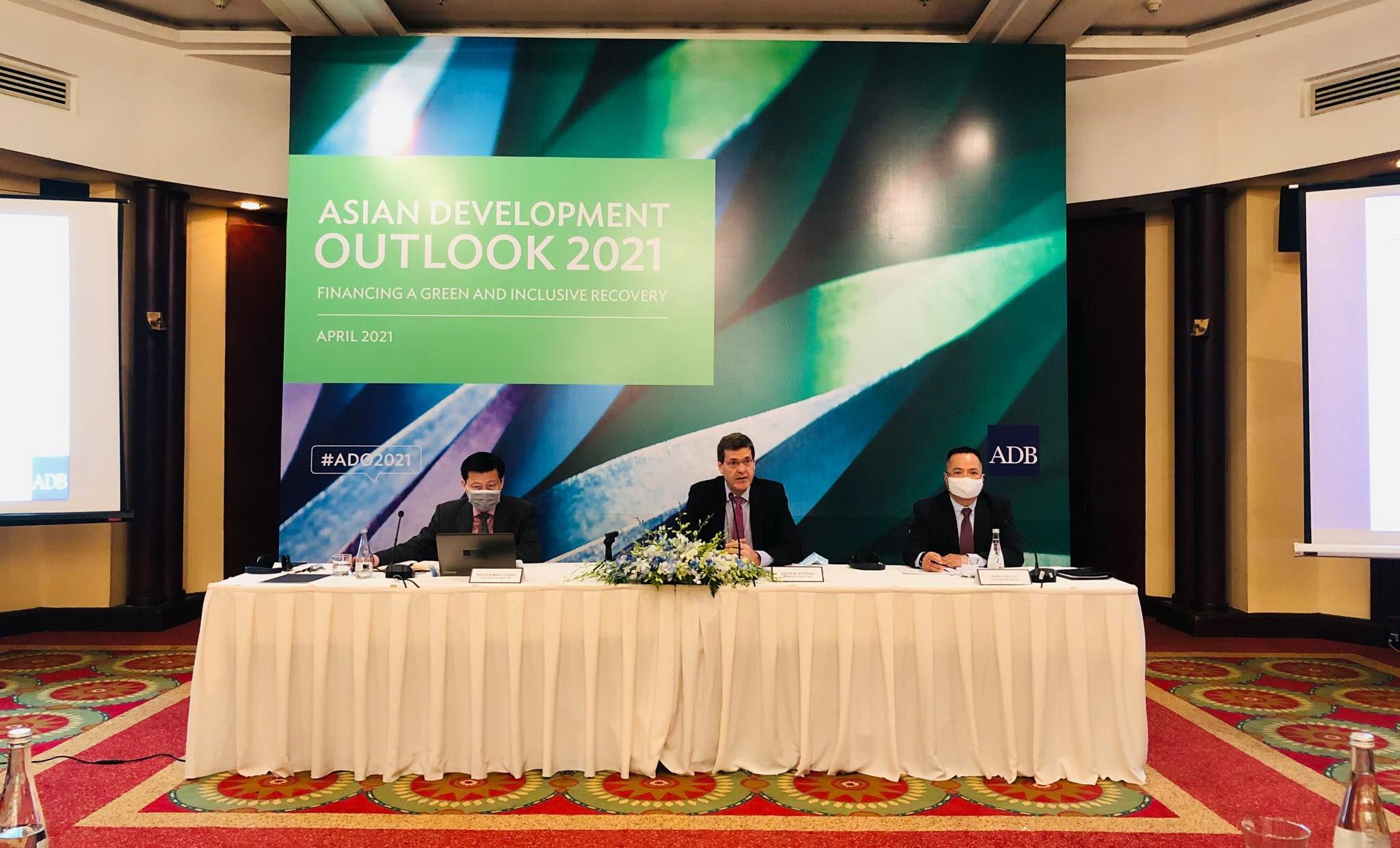 ADB dự báo Việt Nam đứng đầu Đông Nam Á về tăng trưởng kinh tế trong năm 2021