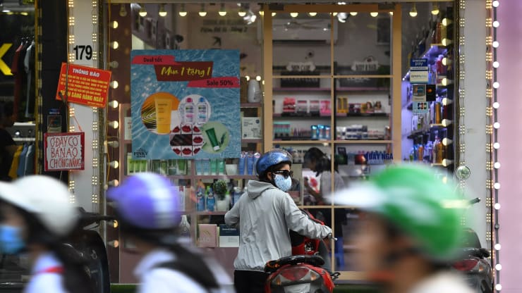 Ngân hàng Thế giới nhận xét gì về kinh tế Việt Nam trong đợt bùng dịch thứ 4?