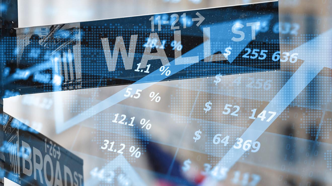 Nasdaq lập kỷ lục mới trước thềm cuộc họp chính sách cực quan trọng của Fed