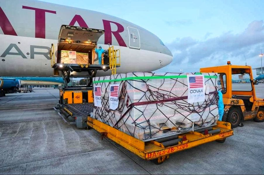 Two Million U.S.-donated Moderna Vaccine Doses Arrive in Hanoi