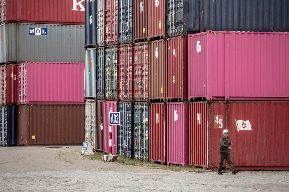 Standard Chartered dự báo GDP Việt Nam sẽ bật tăng mạnh trong năm tới