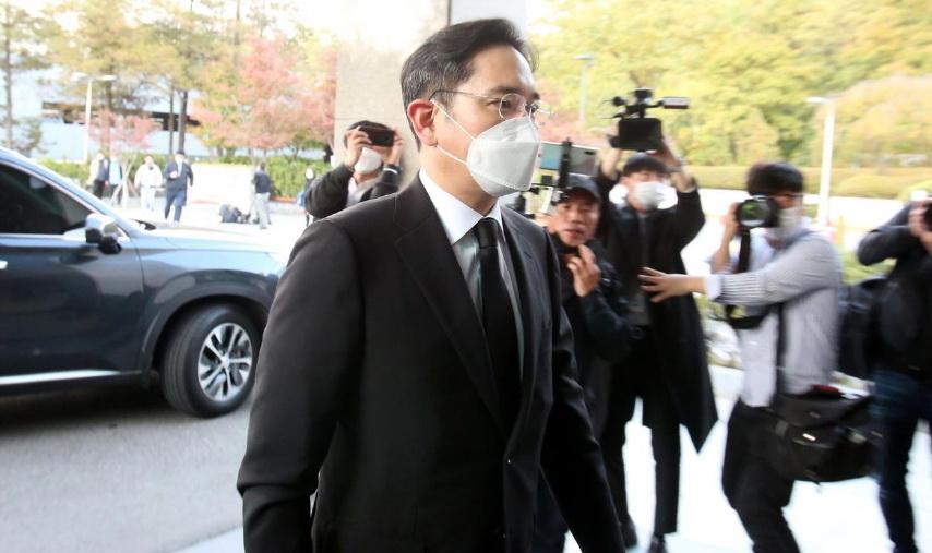 """Vì sao """"thái tử"""" Samsung được đặc cách ra tù?"""